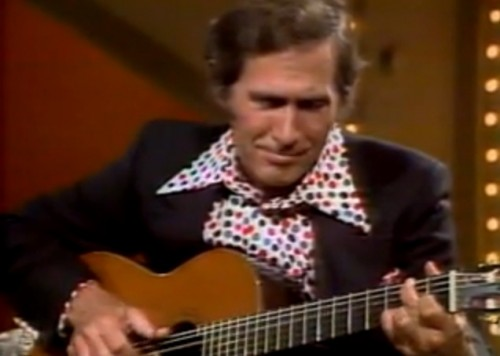 Chet Atkins entertaining the audience in 1975