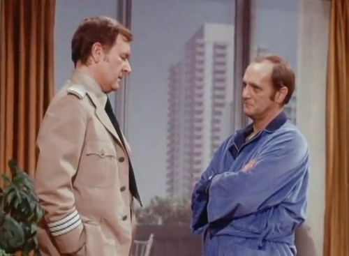 Howard (Bill Daily) and Bob (Bob Newhart)