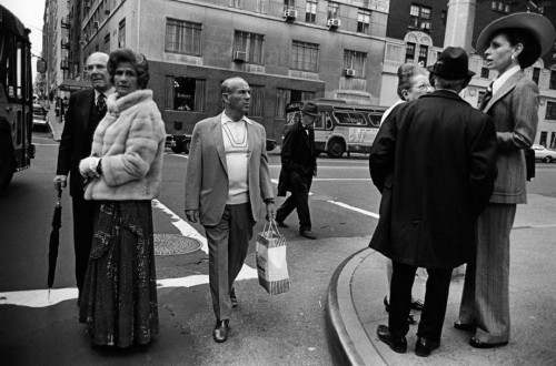 'Street Corner, East Side, Man With Shopping Bag, 1973. ' (© Paul McDonough. Courtesy Sasha Wolf Gallery, New York City.)