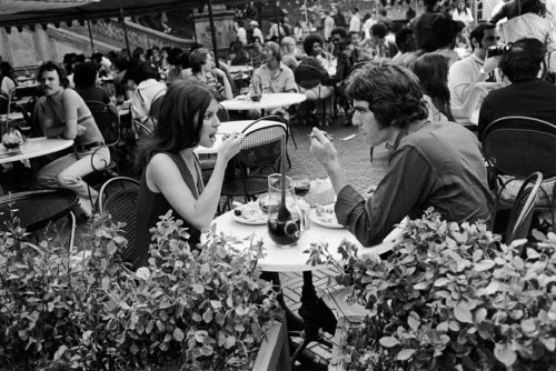 'Couple, Central Park Cafe, 1973. ' (© Paul McDonough. Courtesy Sasha Wolf Gallery, New York City.)